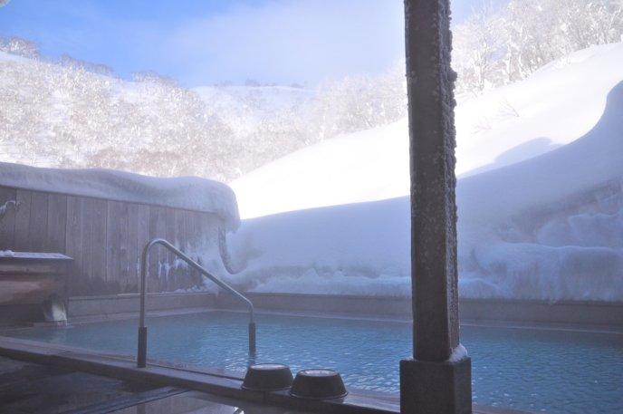 Goshiki Onsen Winter Snow Outdoor Pool Rotenburo Day Time