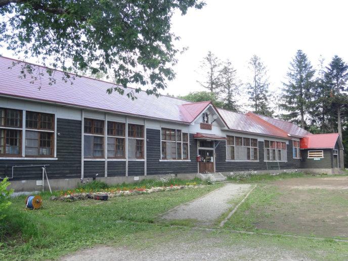 Kabayama Elementary School Summer Exterior