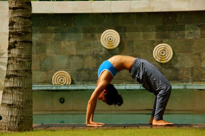 Kanami Anderson Powder Yoga Urdhva Dhanurasana