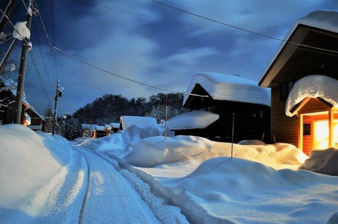 Mn K Country Resort Niseko Chalets In Winter Evening