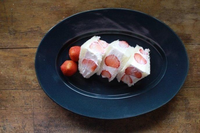 Strawberry And Cream Sandwich