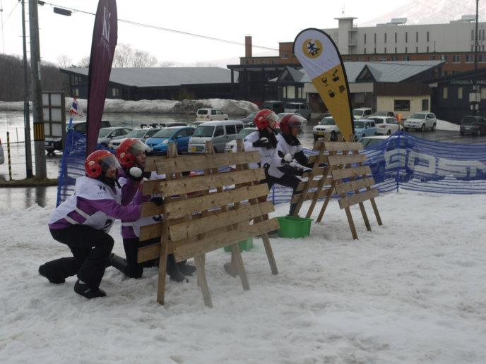 Taew Natapohn Snowater Fight