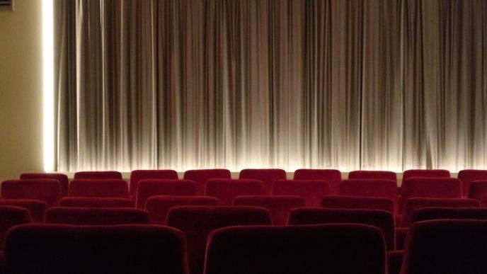 Cinema 2093264 1920