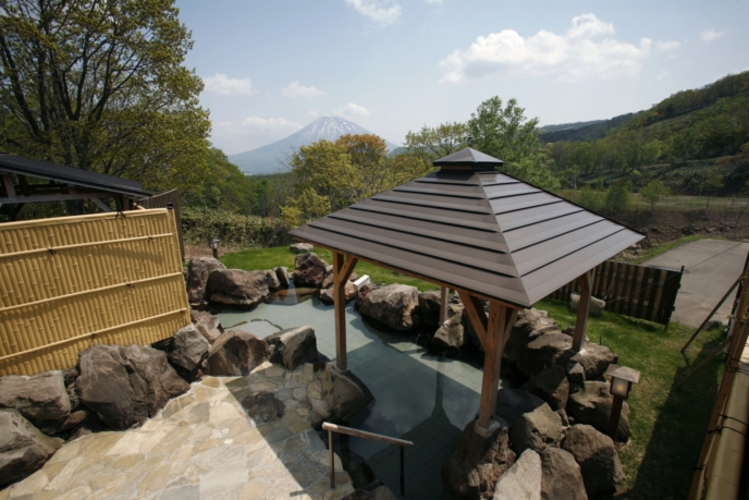 Weiss Hotel Onsen Outdoor Rotenburo Pool Summer