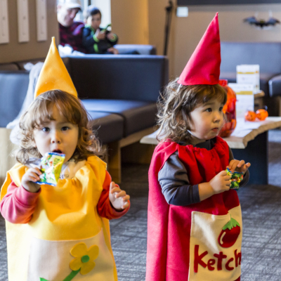 Twins As 'Ketchup & Mustard' At Halloween Event 2016